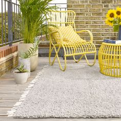 Silver Cream Clover Rug - Rugs for Alfresco Living - Sales - Home - BrandAlley Indoor Outdoor Rugs, Outdoor Chairs, Outdoor Decor, Outdoor Living, Recycled Bottles, Recycle Plastic Bottles, Rug Texture, Outdoor Seating Areas, Outdoor Spaces