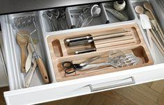 Organizacja szuflady - NOLTE wkład z tworzywa oraz buku