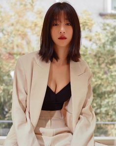 Korean Street Fashion, Asian Fashion, Fashion 2020, 80s Fashion, Modest Fashion, Fashion News, Vintage Fashion, Korean Beauty, Asian Beauty