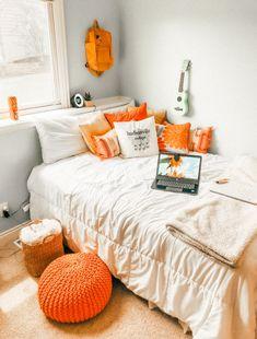 Fall Bedroom Decor, Room Ideas Bedroom, Fall Home Decor, Bedroom Inspo, Cute Room Decor, Teen Room Decor, Autumn Room, Dorm Room Designs, Aesthetic Room Decor