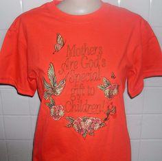 Mothers Love T-Shirt, Women's Flower Shirt, Handmade Graphic Tee #Handmade #GraphicTee