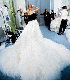Ondria Hardin in Giambattista Valli Fall 2015 Couture Backstage
