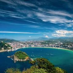 Best places to travel in 2017 - Europe's Best Destinations,San Sebastian-Spain Best Beaches In Europe, Cities In Europe, Unique Honeymoon Destinations, Amazing Destinations, Cool Places To Visit, Places To Travel, Places To Go, Bilbao, Places Around The World