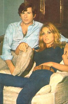 Roman Polanski and Sharon Tate Charles Manson, Roman Polanski, Sharon Tate, Classic Hollywood, Old Hollywood, Pantalon Bleu Marine, Divas, Foto Real, Valley Of The Dolls