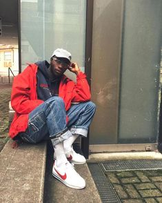 See new trends and be influenced of the Streetwear community by Noblystreet. Urban Fashion, 90s Fashion, Retro Fashion, Fashion Outfits, Moda Retro, Style Masculin, Herren Outfit, Fashion Killa, Streetwear Fashion