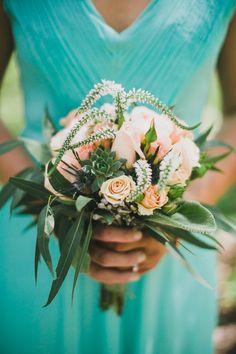 peach roses, photo by Artistrie Co http://ruffledblog.com/watch-tower-lodge-wedding #weddingflowers #weddingbouquet #bouquets