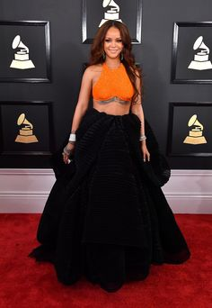 Grammys 2017: Rihanna in Armani Privé, Chopard jewelry and David Webb jewelry with a Roger Vivier clutch