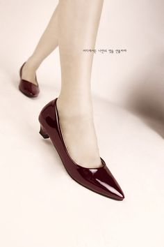 Women Fashion Simple Style Low-Heeled Shoes