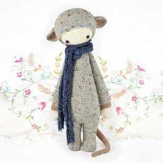 Rada the rat amigurumi crochet pattern by Lalylala Diy Tricot Crochet, Crochet Wool, Crochet Patterns Amigurumi, Crochet Gifts, Amigurumi Doll, Knitting Patterns, Handmade Stuffed Animals, Little Doll, Crochet Animals
