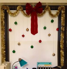 Christmas dorm decorations