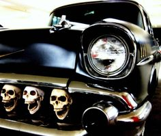 57 Chevy with a grill full of skulls not a hearse but so awesome I had to pin Vintage Cars, Antique Cars, Pt Cruiser, Kustom Kulture, Hot Rides, Us Cars, Race Cars, Skull And Bones, Rat Rods