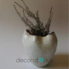biały, ceramiczny wazon