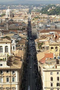 Via del Corso - Rome, Italy    the best shopping!!