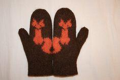 Ravelry: Tyi's Fox-mittens