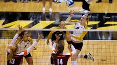 The Mizzou volleyball team bounced back from its first defeat of the season by topping Houston, 3-0 (25-18, 25-23, 25-15) on Friday morning (Aug. 31) in game one of the Lipscomb Invitational. The Tigers were led by junior outside hitter Lisa Henning (Blue Springs, Mo.) who finished with a match-high 17 kills while freshman Regan Peltier (Nixa, Mo.) provided a spark in her first career start with a career-best 12 kills on .667 hitting. The win moves the Tigers to 4-1 on the season.