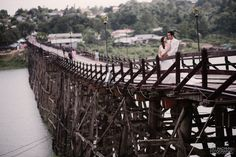 พรีเวดดิ้งสะพานมอญ สะพานมอญ (สะพานไม้อุตตมานุสรณ์) หาช่างภาพ พรีเวดดิ้ง งานแต่งงาน ตากล้อง งานแต่งงาน ช่างภาพงานแต่งสะพานมอญ (สะพานไม้อุตตมานุสรณ์) https://www.facebook.com/CITYARTPAT line:cityartpat 0834992500