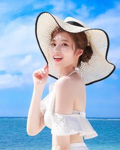 Twice Sana Summer Nights Kpop Girl Groups, Korean Girl Groups, Kpop Girls, Sana Kpop, Jiyong, Sana Cute, Twice Tzuyu, Twice Photoshoot, Twice Group