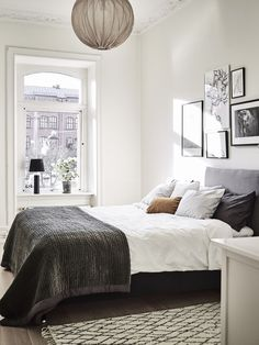 Natural lighted scandinavian bedroom