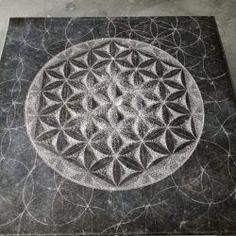 Flower of life, Belgisch hardsteen (60x60x4) € 3000 Spiral Art, Sacred Geometry Tattoo, Fibonacci Spiral, Alex Grey, Grey Flowers, Flower Mandala, Wedding Art, Flower Of Life, Funny Design