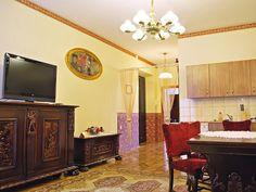 Maximo 8 personas, 2 dormitorios, 2 baños, sala de estar + cocina, wifi.