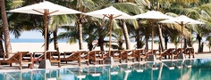 Jetwing Blue Negombo - Pool side overlooking the beach
