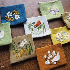 処暑過ぎて なお暑い毎日ですが 季節は確実に進んでいますね。秋の展示会の準備も もう少しで整います。 #刺繍#手刺繍#ハンドメイド#ハンドクラフト#秋#ブローチ#草花#マカベアリス #embroidery #embroideryart #handmade #handcraft #handembroidery #autumn #flower #brooch #alice_makabe