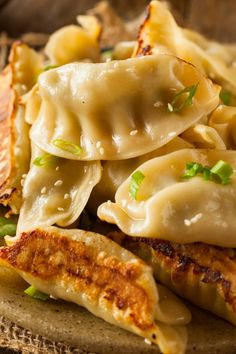 An easy recipe for one of your favorite take out foods: potstickers! Also known as Chinese Dumplings, these homemade potstickers taste amazing! Homemade Chinese Food, Easy Chinese Recipes, Asian Recipes, Chinese Desserts, Asian Dumpling Recipe, Chinese Dumplings, Dumplings Recipe Easy, Pork Recipes, Vegetarian Recipes