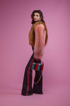 Diane von Furstenberg Resort 2018 Collection Photos - Vogue
