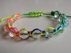 Tutorial DIY Pulsera Fluor con facetadas de cristal con nudo ajustable. ... Muy, muy fácil y resultona.