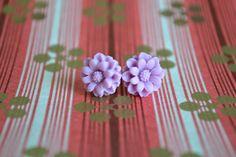 Lilac Dahlia Earrings van CellarDoorCollection op Etsy, $4.00