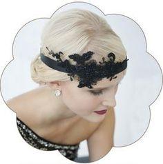 20er Jahre Haarband mit Spitzen Applikation in schwarz. Vintage - Gatsby Style in black.