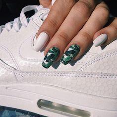 Banana leaf nails |Pinterest: ⇜✧≪∘∙✦♡✦∙∘≫✧⇝