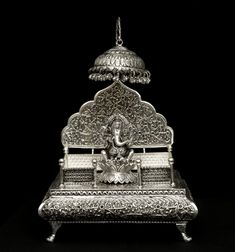 Silver Jewellery Indian, Silver Jewelry, Fancy Jewellery, Temple Design For Home, Silver Pooja Items, Ganapati Decoration, Silver Lamp, Pooja Room Door Design, Lord Ganesha Paintings