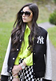 Petit & Sweet Couture, Large Womens Fashion Metal Arm Cat Eye Sunglasses 8689