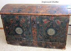 An Antique Norwegian Trunk www.organizedclutterqueen.blogspot.com