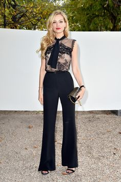 Petra Nemcova Photos - Petra Nemcova attends the Elie Saab show as part of the Paris Fashion Week Womenswear Spring/Summer 2017 on October 2016 in Paris, France. Petra Nemcova, Fashion Forecasting, Style And Grace, City Style, Elie Saab, Front Row, Style Icons, The Row, Going Out