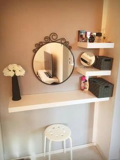 Simple and Creative Tricks: Floating Shelf With Pictures Storage how to decorate floating shelves fun.Floating Shelves Modern Open Kitchens how to decorate floating shelves solid wood.Floating Shelves Nursery Home Office. Easy Home Decor, Cheap Home Decor, Make Up Tisch, Vanity Room, Closet Vanity, Diy Vanity Table, Small Bedroom Vanity, Small Vanity Table, Floating Vanity