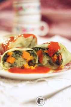 Gołąbki warzywne Spring Rolls, Ratatouille, Sushi, Recipies, Health Fitness, Favorite Recipes, Meat, Chicken, Cooking
