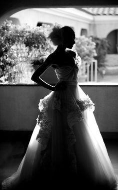 Photographer Interview with La Vie Photography | Junebug Weddings #laceweddingdress