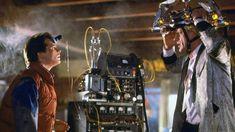 21 oktober 2015 is eervol gebombardeerd als 'Back to the Future-dag'.In Back to the Future II vlogenDoc Brown en Marty McFly door de tijd en ruimte helemaal naar woensdag 21 oktober 2015. De rest...