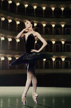 Svetlana Zakharova #BlackSwan