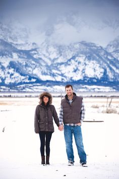 Wintry e-shoot goodness in Jackson Hole Photography by amygalbraith.com I would love to live in the mountains so I could take awesome pictures like this!