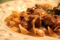 Mix and Match Mama: Dinner Tonight: Slow Cooker Stroganoff