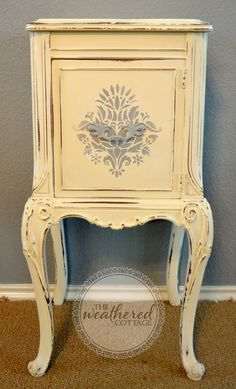 CHALK PAINT: damask side table { Krane Krane Henry} fellow Texas painter from the Austin area. Decoupage Furniture, Chalk Paint Furniture, Hand Painted Furniture, Distressed Furniture, Furniture Projects, Furniture Making, Repurposed Furniture, Furniture Makeover, Vintage Furniture