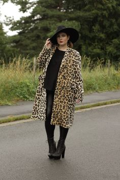 11.09.13 - wearing: Yoek coat, COS shirt, H+M fake leather leggings, Nelly boots and Zara hat