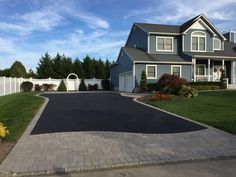 This beautiful driveway apron was created using pavingstones by Cambridge Pavingstones with Armortec. Driveway Design, Driveway Landscaping, Driveway Ideas, Landscaping Ideas, Driveway Pavers, Diy Driveway, Circular Driveway, Landscape Walls, Landscape Design