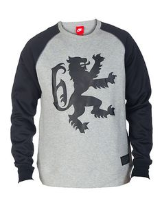 NIKE Crew sweatshirt Long sleeves Soft inner terry lining LeBron James Lion logo on front Crew neck with ribbed collar. True to size. 100% cotton. Grey 612877063