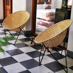 Love these basket chairs from Broca Muebles