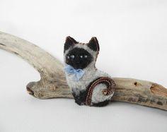 Siamese Kitty brooch felt siamese cat pin brooch by FeltPetsShop