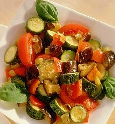 Resep Ratatouille (Sup Sayuran Prancis Selatan) Yeast Free Recipes, Ww Recipes, Healthy Eating Recipes, Healthy Foods To Eat, Easy Ratatouille Recipes, Weight Watchers Meals, Food For Thought, Love Food, Appetizers